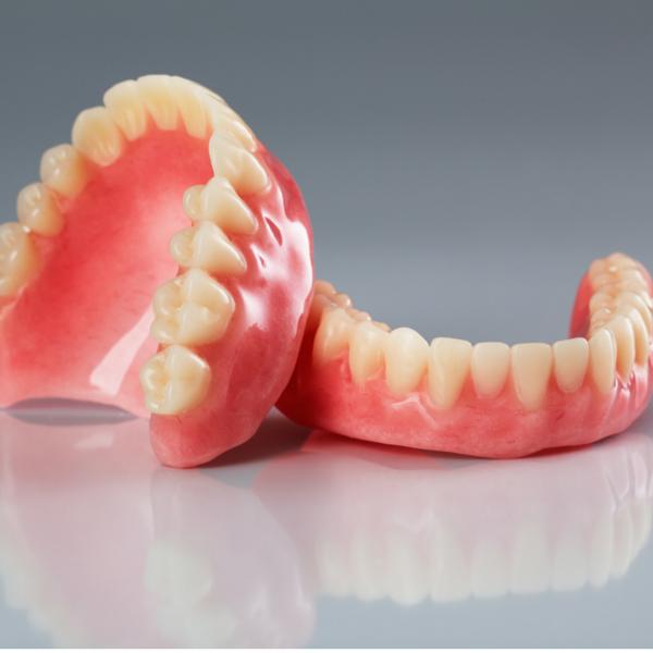 Prótesis dental de resina - Dentista Guadix