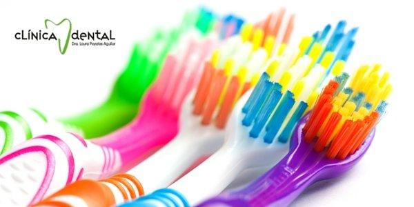 cada cuanto tiempo debo cambiar el cepillo de dientes, Dentista Guadix