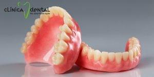 fotografía pegamento para prótesis dentales