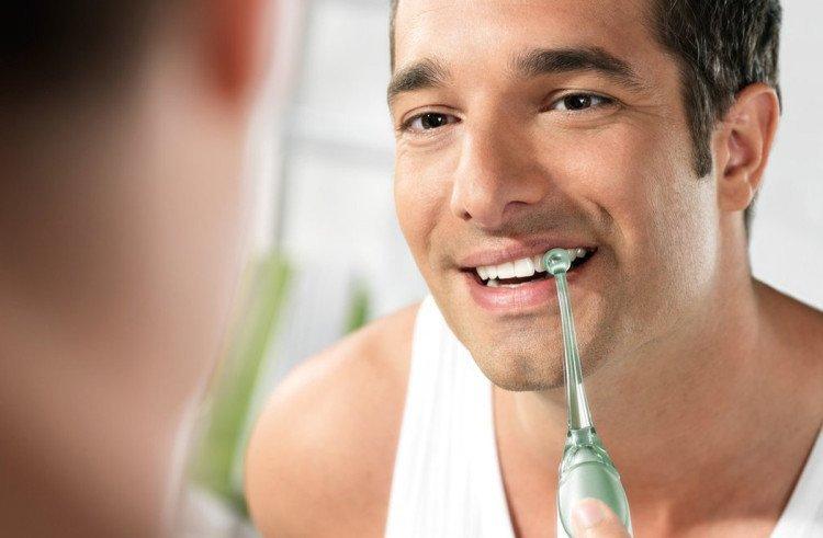 imagen cuidar las prótesis dentales fijas post