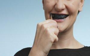 imagen dientes negros
